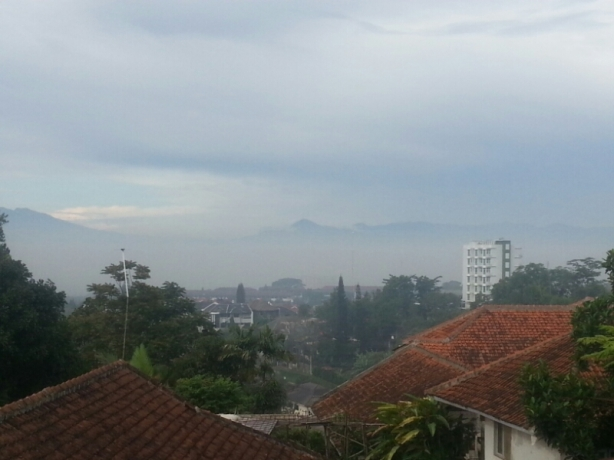 The view down to smoggy Bandung during my jog this morning.